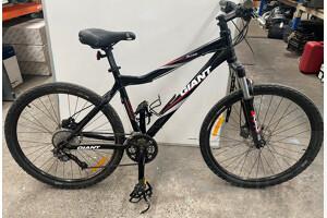 Giant Alias Mountain Bike