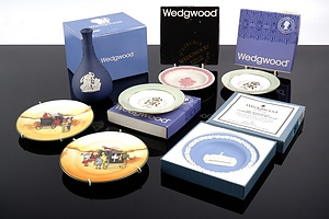 Collection of Boxed Wedgwood Jasper Ware, Including Waratah and Canberra Commemorative Dishes