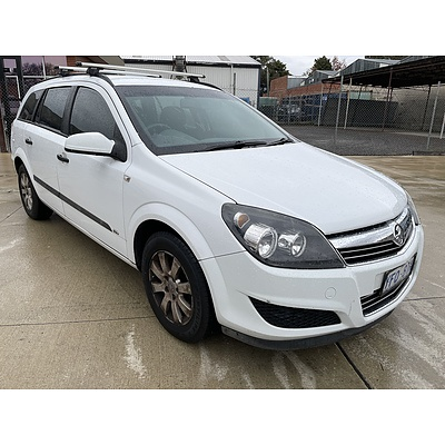 11/2008 Holden Astra CD AH MY08.5 4d Wagon White 1.8L