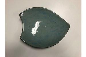 L44 - Hand made platter