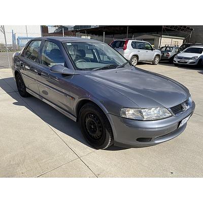 7/2001 Holden Vectra GL JSII 4d Sedan Grey 2.2L
