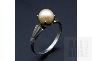 Sterling Silver Ring with Round Cultured Pearl, 1.7g