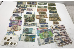 Large Collection of International Banknotes, America, Fiji, Portugal/Mozambique, Malysia and More