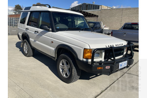 2/2002 Land Rover Discovery  SERIES II 4d Wagon White 4.0L