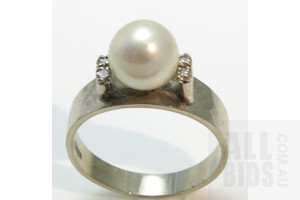 14ct White Gold Pearl & Diamond Ring