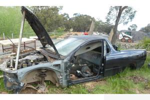 9/2005 Holden Commodore VZ Utility Black 3.6L - Repairable Write Off