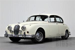 1/1960 Jaguar Mk II 2.4L 4d Sedan White 3.8L